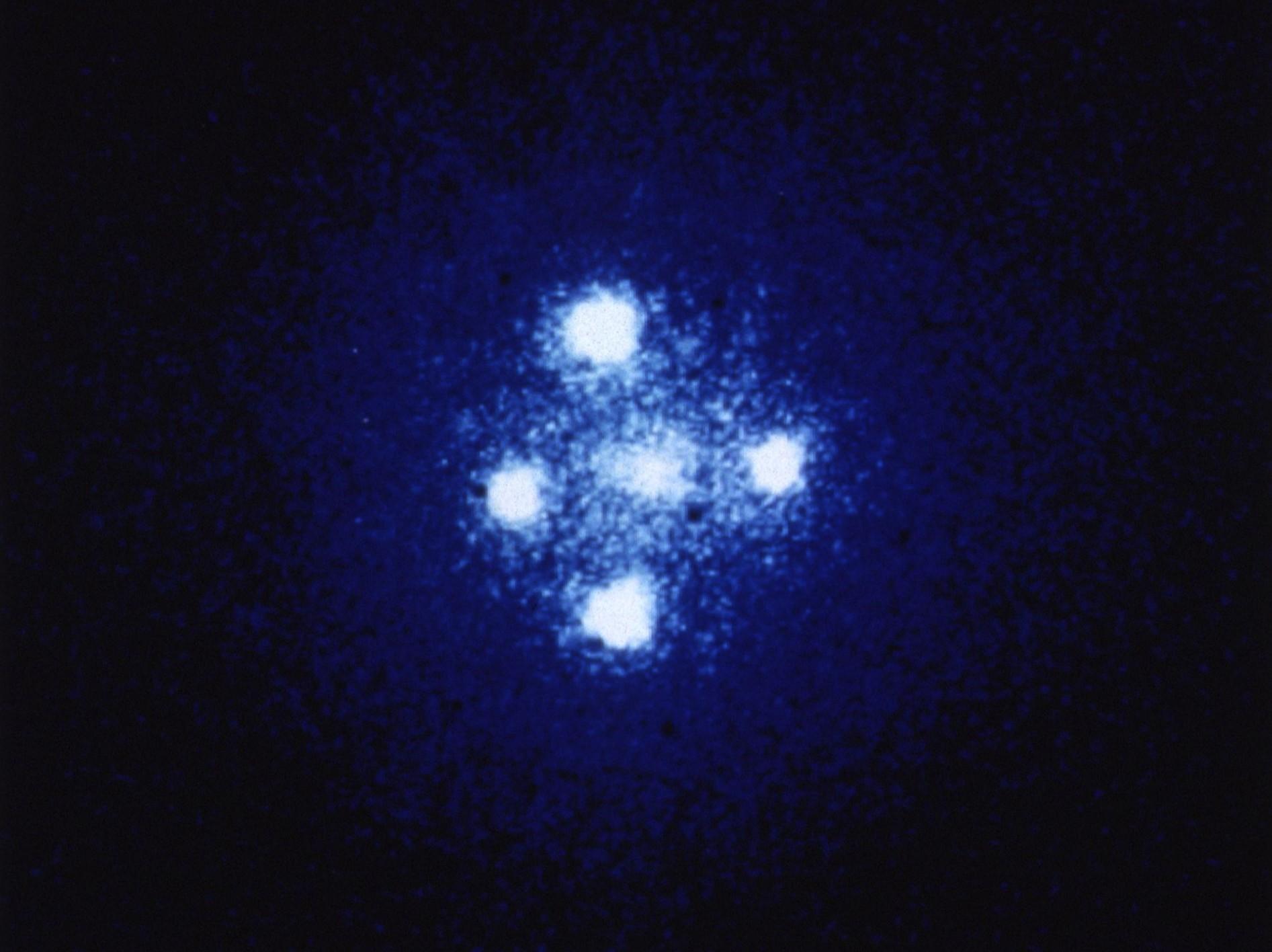 Einstein-cross