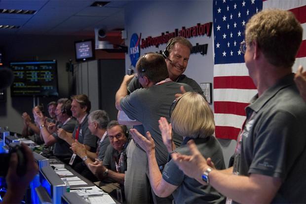 Juno-team-celebrating
