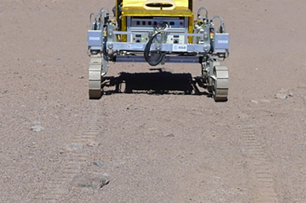 SAFER_rover_s_first_tracks_in_Atacama_Desert