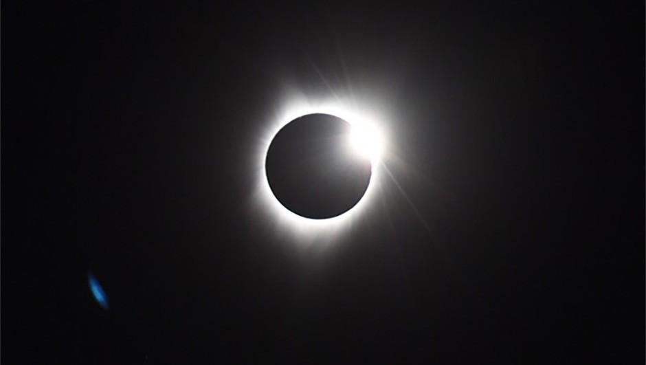 US-eclipse-06-EDIT