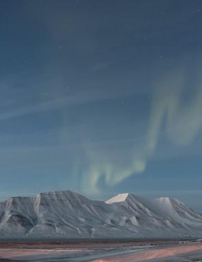 URORAE  Twilight Aurora - György Soponyai (Hungary)  Photo location: Near Longyearbyen, Svalbard, Norway  Equipment: Canon EOS 5D Mk II DSLR camera, 24mm lens.