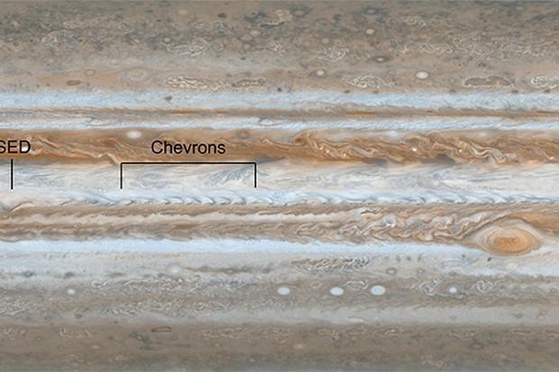 Cassini-Spies-Wave-Rattling-Jet-Stream-on-Jupiter
