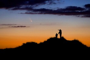 Father and Son Observe Comet PanSTARRS © Chris Cook (USA)