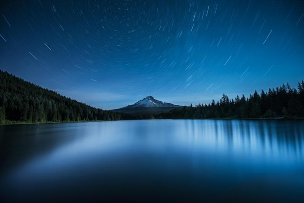 Polaris over Mount Hood © Garrett Suhrie
