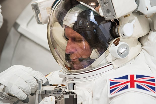 PHOTO DATE: 06-16-15 LOCATION: Bldg. 7 - SSATA Chamber SUBJECT: Expedition 46/47 crew member and ESA astronaut Tim Peake during SSATA Chamber dry run. PHOTOGRAPHER: BILL STAFFORD