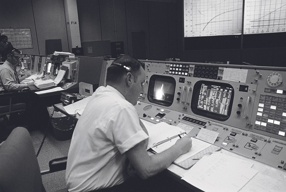 Flight director Cliford Charlesworth in Mission Control during the launch of Apollo 8. Credit: NASA