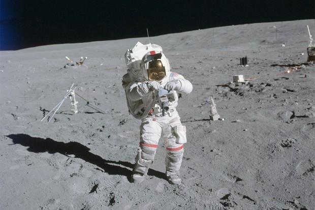 Apollo astronaut John Young during the Apollo 16 spacewalk. Credit: NASA