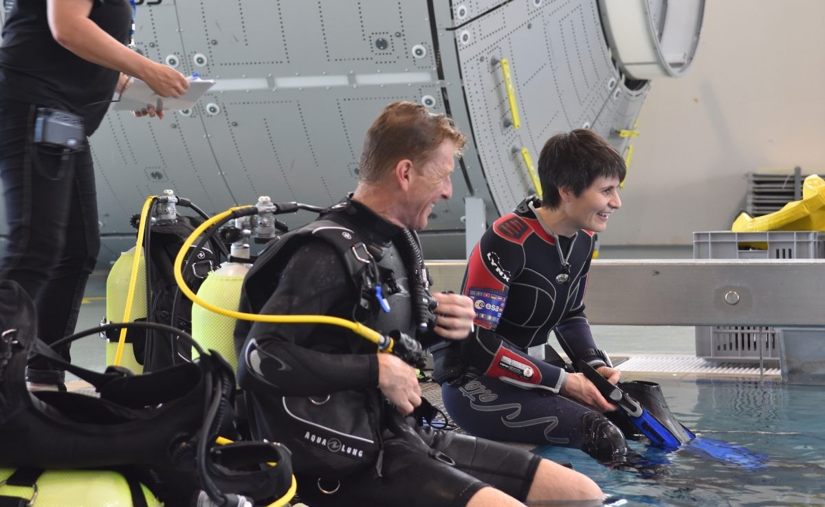 Tim Peake and Italian ESA astronaut Samantha Cristoforetti during training at the Astronaut Training Centre ahead of Cristoforetti's participation in NEEMO 23, an expedition to the undersea research station Aquarius. Credit: ESA