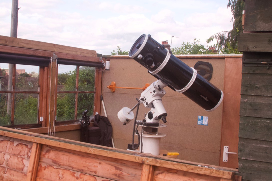 Adrian Lilly's homemade telescope pier: a steady, permanent fixture that requires little physical exertion. Credit: Adrian Lilly.