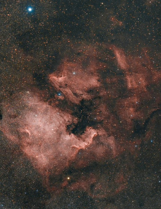 The North America Nebula Emil Andronic, Pontarfynach, Bushey, 5, 18 – 20 April 2019. Equipment: Canon EOS 700D DSLR camera, Samyang 135mm lens, Sky-Watcher EQ3 GoTo mount.