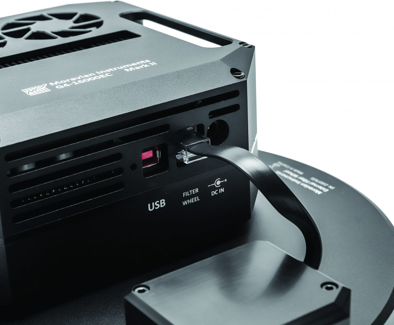 The G4-16000 has a built-in high-speed USB 2 connection.