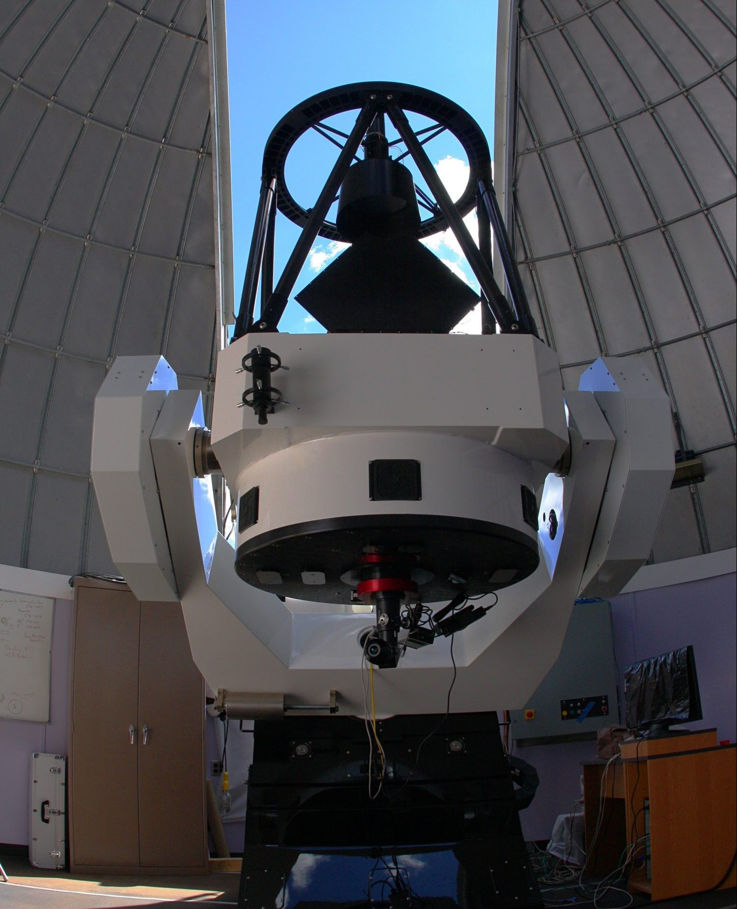 The Schulman 32-inch remote telescope