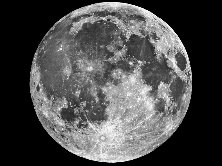 Patrick Moore's guide to observing the Moon