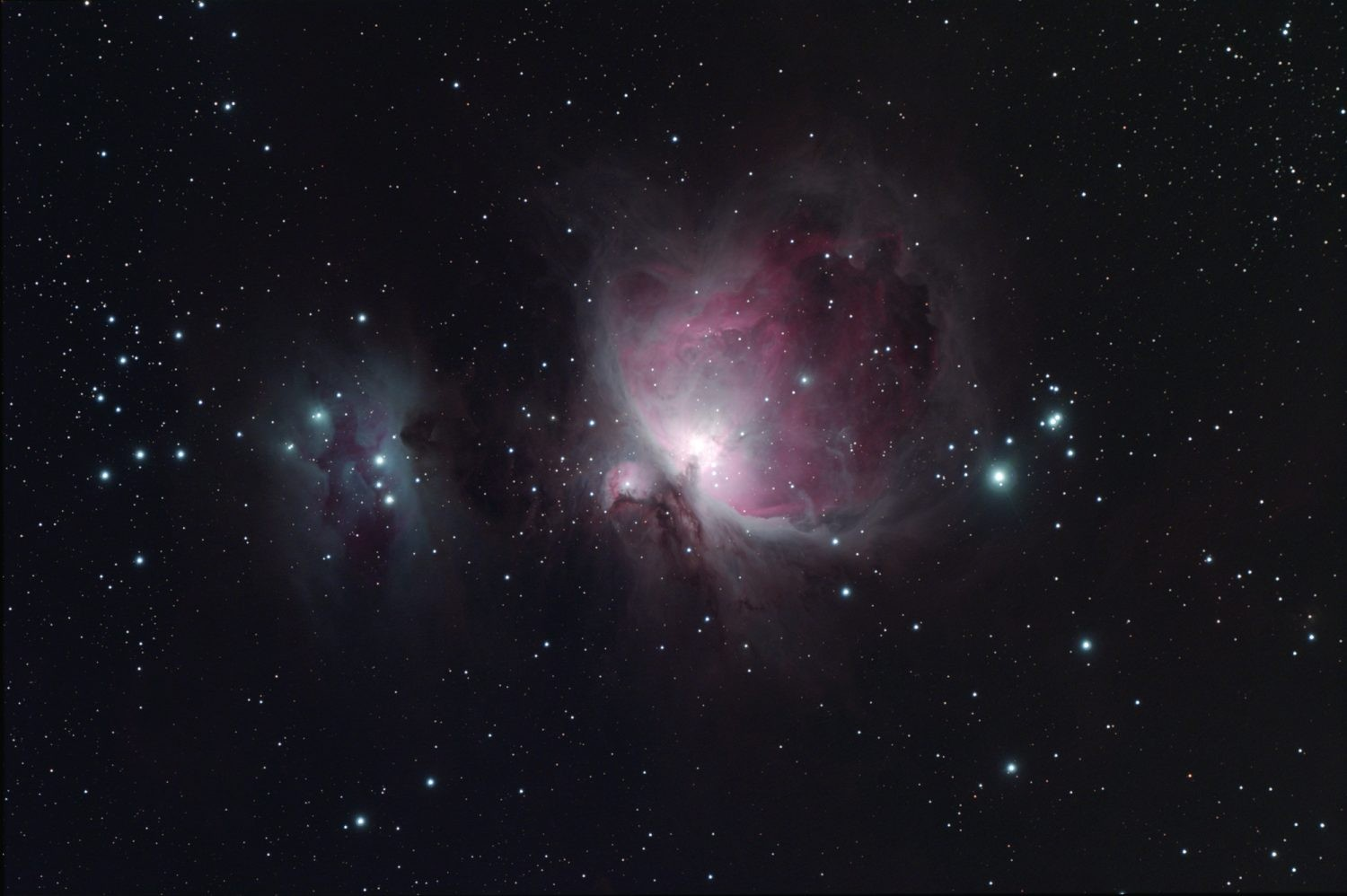 The same shot of the Orion Nebula after a master flat frame calibration has been applied – now there is an even distribution of light intensity across the background night sky. Credit: Steve Richards
