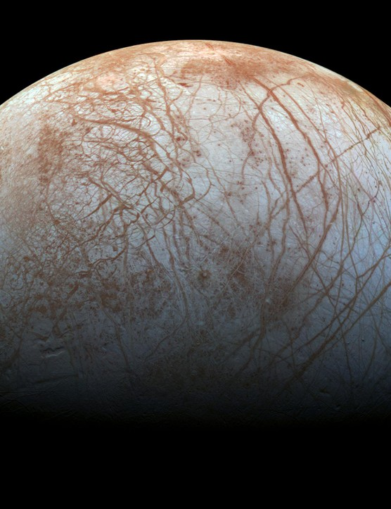 This view of Europa shows long linear cracks crisscrossing across the surface of the icy moon. Credit: NASA/JPL-Caltech/SETI Institut