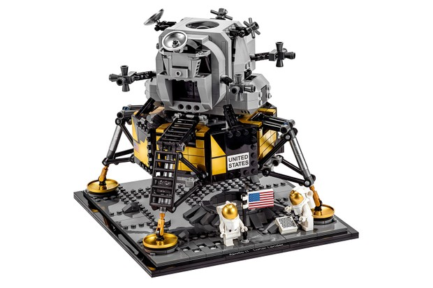 Lego Apollo 11 moon lander