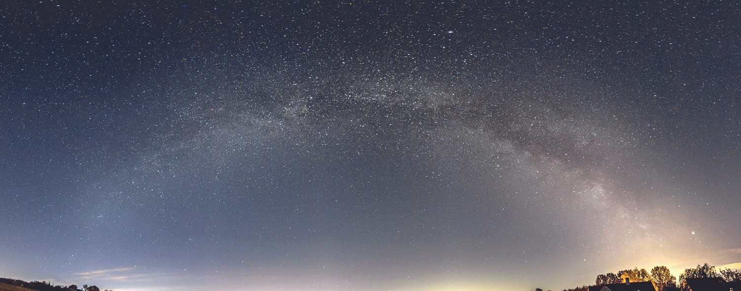 The celestial majesty of the Milky Way, as showcased by Mary's final stitched image. Credit: Mary McIntyre
