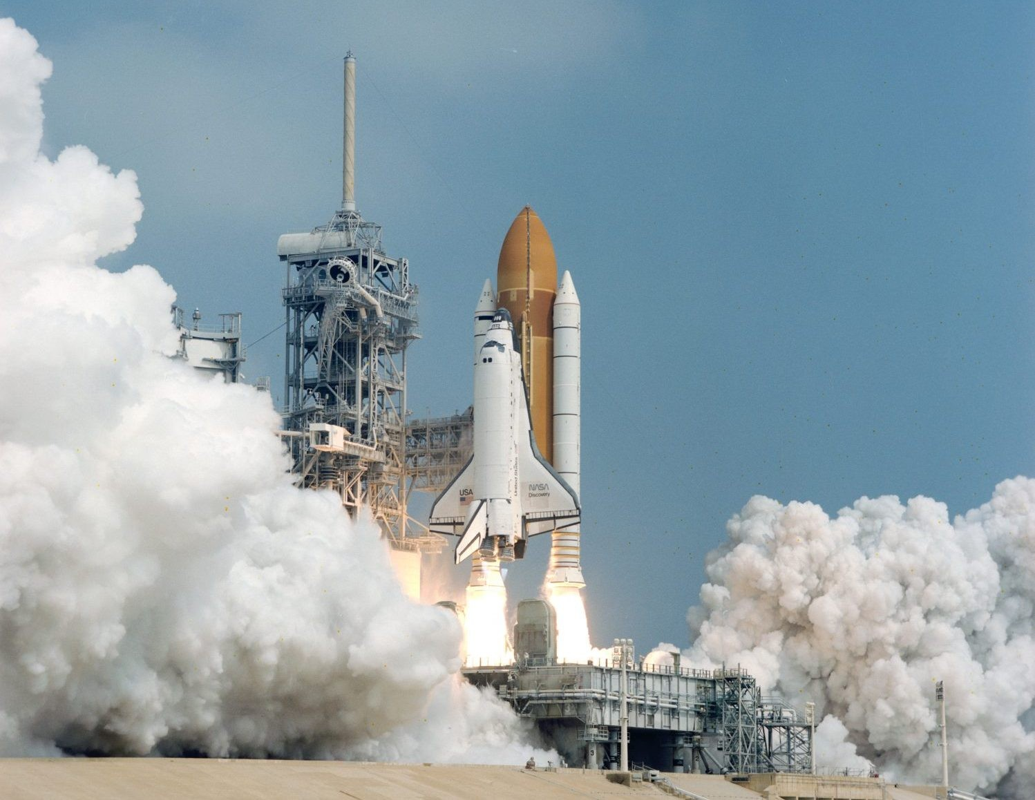 Space Shuttle Discovery launches from NASA Kennedy Space Center, 7 August 1997. Credit: NASA