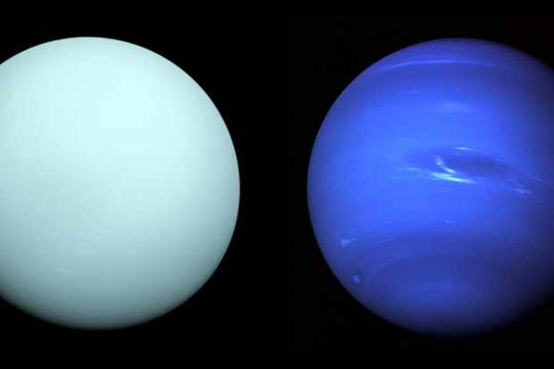 Uranus (left) and Neptune (right), as seen by the Voyager 2 spacecraft. Credit: NASA/JPL-Caltech; NASA