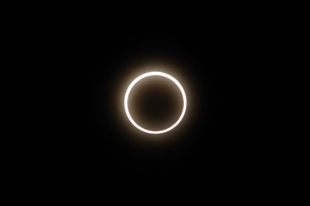 An annular solar eclipse occurs when the moon's shadow cone doesn't quite reach Earth's surface. Credit: Bairi from Pixabay.com https://pixabay.com/illustrations/annular-solar-eclipse-eclipse-2003461