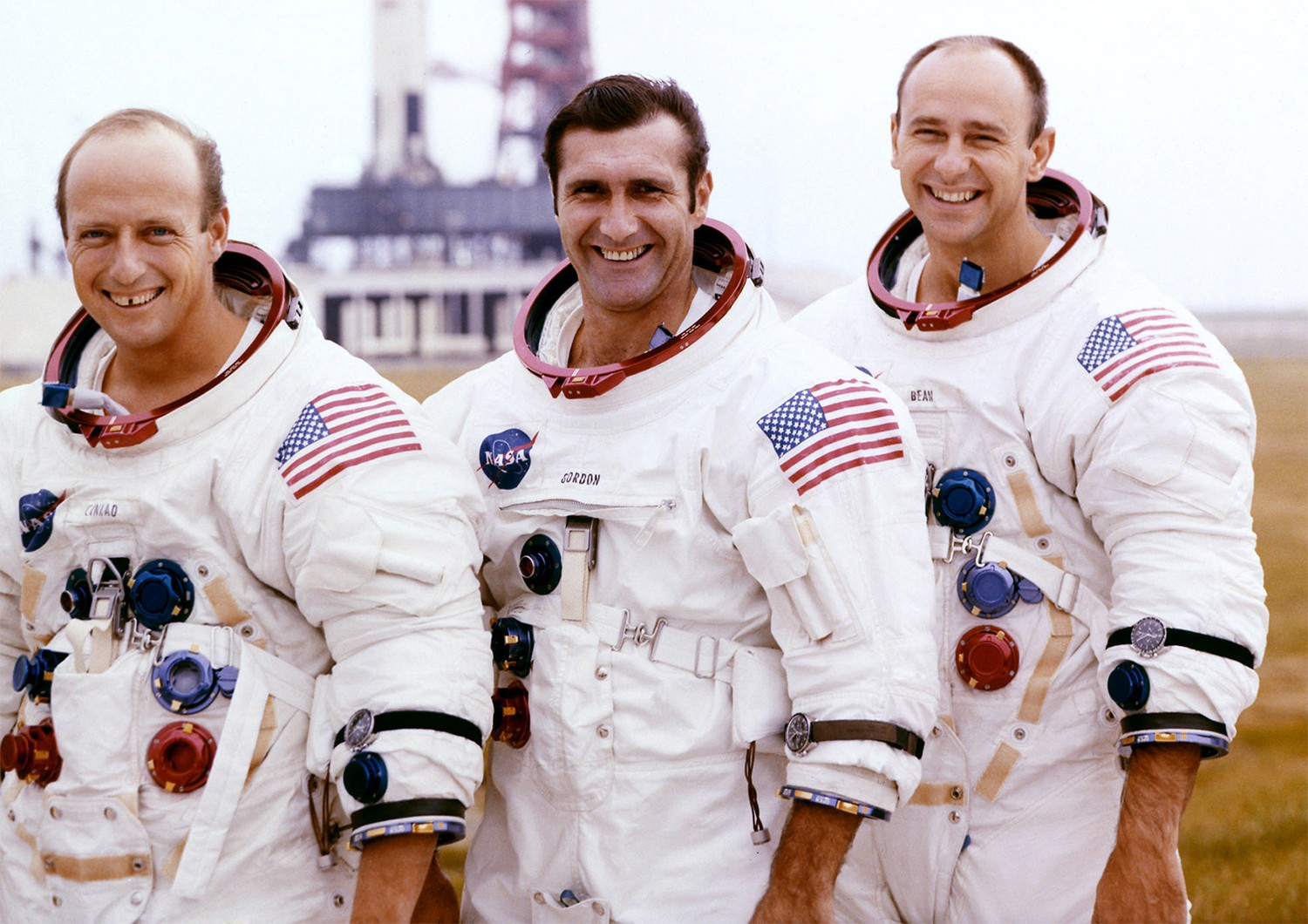 Apollo 12: the story of the second manned mission to the ...