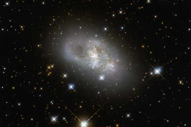 Galaxy IC 4653. Credit: ESA/Hubble & NASA, D. Rosario (CEA, Durham University)