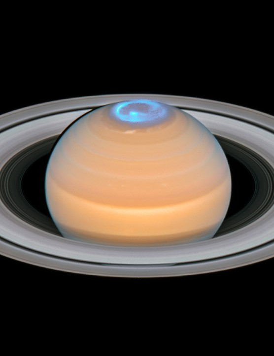 Saturn and northern aurorae 30 August 2018. Aurorae on Saturn are mainly visible in ultraviolet. Credit: ESA/Hubble, NASA, A. Simon (GSFC) and the OPAL Team, J. DePasquale (STScI), L. Lamy (Observatoire de Paris)