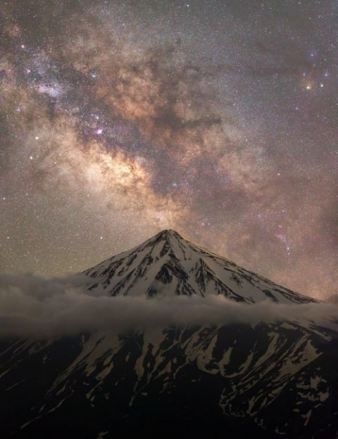 04 - Mount Damavand and the Milky Way Majid Ghohroodi, Iran, 8 June 2018 Equipment: Canon EOS 6D DSLR camera