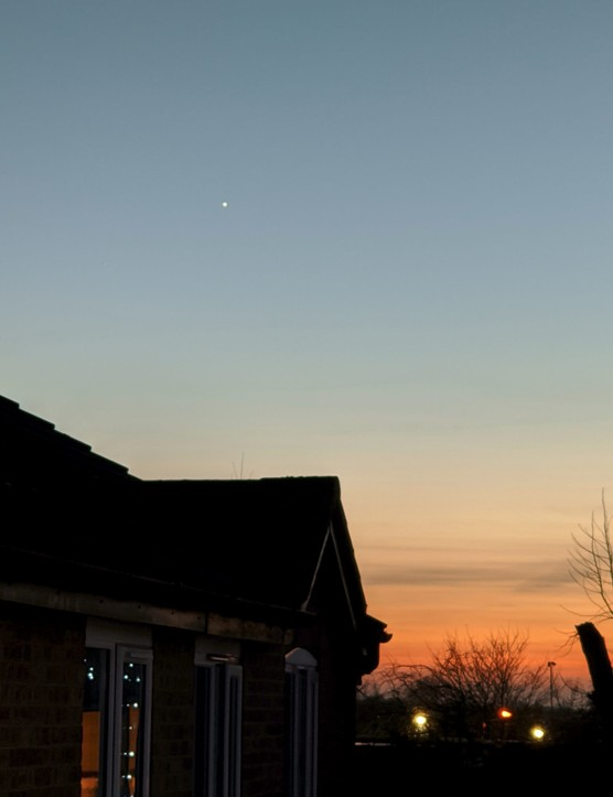 Venus in twilight, captured on 25 December 2019, 4:31pm GMT, zoom 2.42x. Exposure: 0.25