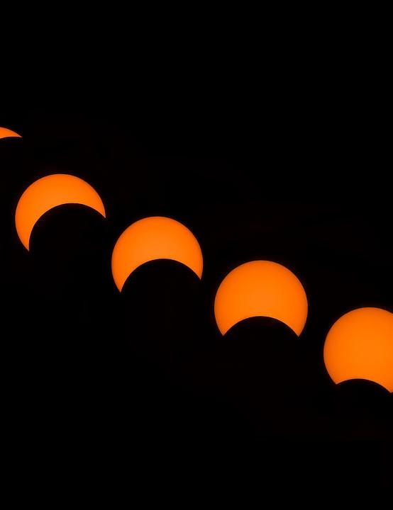 Eclipse phases Abolfazl Arab, Sistan and Baluchestan province, Iran, 26 December 2019 Equipment: Nikon D7200 DSLR