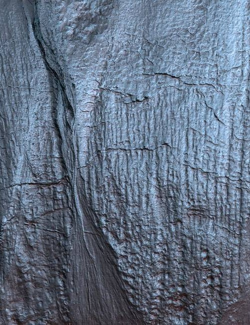 Gullies on Mars Mars Reconnaissance Orbiter, 26 February 2020 Credit: NASA/JPL-Caltech/University of Arizona