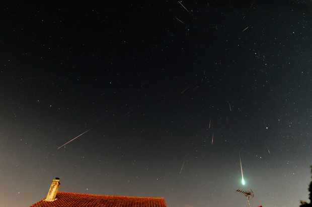 Meteor showers: how to observe and record shooting stars