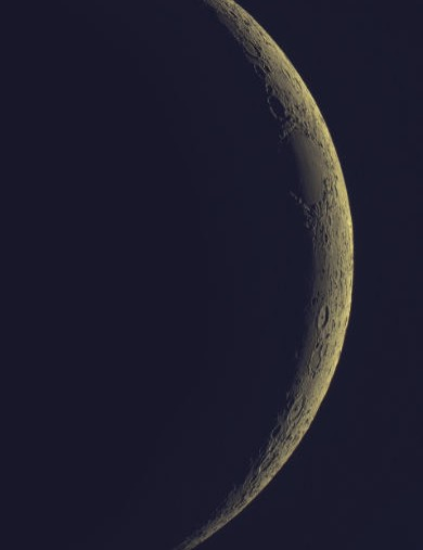 Crescent Moon GeorgeRoberts, Lowestoft, 25–26 April 2020. Equipment: QHY5L–II camera, Meade 127mm apo refractor, Sky-Watcher NEQ6 Pro mount