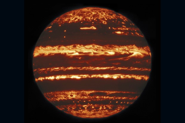Infrared 'lucky' image reveals what's beneath Jupiter's clouds