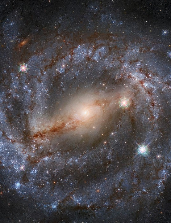Barred spiral galaxy NGC 5643 Hubble Space Telescope, 28 September 2020. Credit: ESA/Hubble & NASA, A. Riess et al. / Acknowledgement: Mahdi Zamani