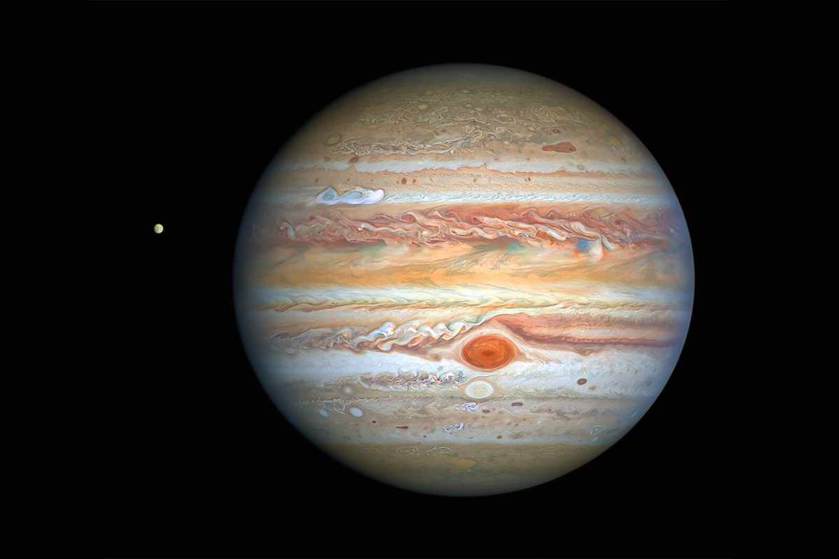 Hubble spies Jupiter and its icy moon Europa