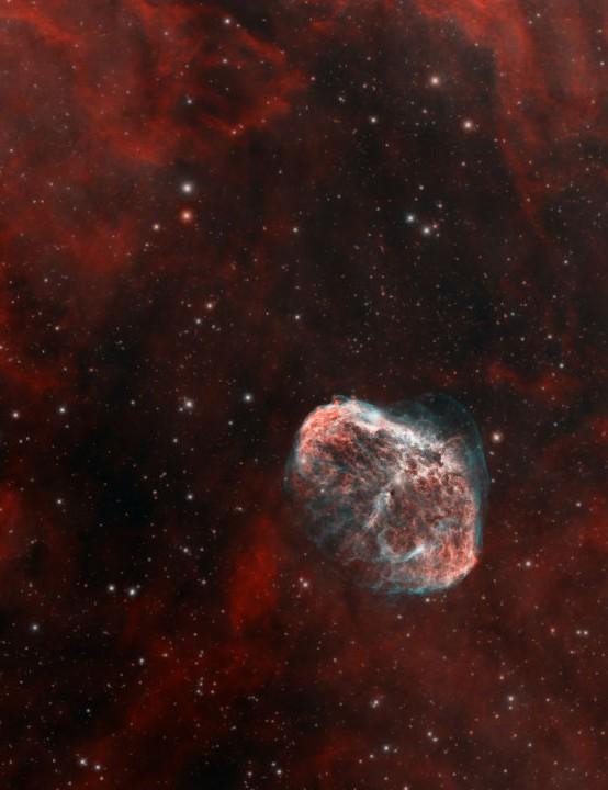 The Crescent Nebula Jamie Macdougall, Ely, Cambridgeshire, 1-13 September 2020 Equipment: ZWO ASI 1600MM Pro camera, Sky-Watcher Evostar 80ED DS-Pro refractor, Sky-Watcher NEQ6 Pro mount