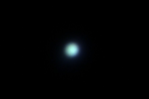 How to photograph Neptune and its moon Triton