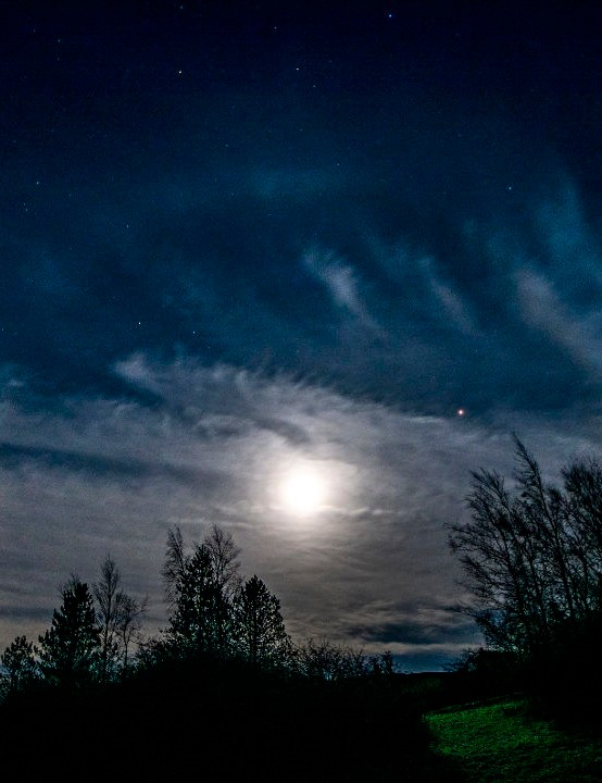 Moon and Mars inside a Halo Andrew Morl, Grassholme Observatory, County Durham, 30 October 2020. Equipment: Nikon D7200 DSLR, Sigma 8–16mm lens