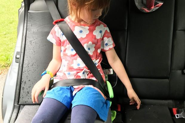 trunki-booster-seatbelt