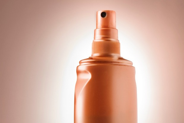 How to spray tan safely when breastfeeding - MadeForMums