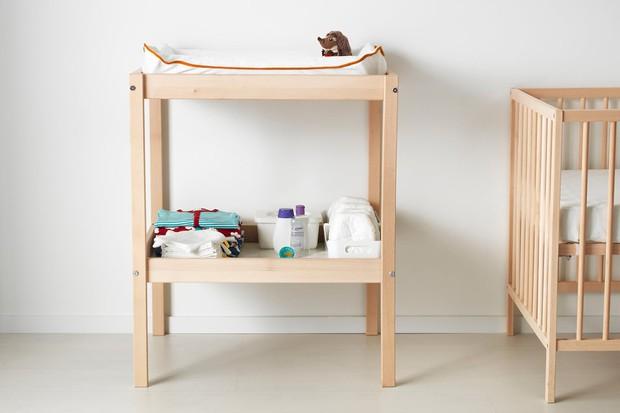 ikea-sniglar-changing-table