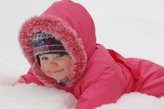 snow-babies-reveal-how-couples-kept-warm-in-last-years-wintery-weather_20133