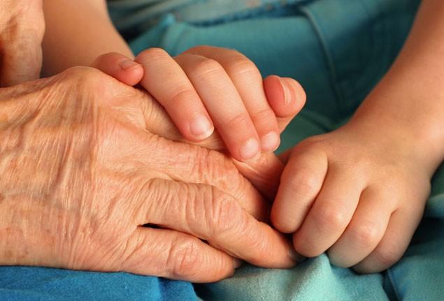 worlds-oldest-mum-dies_5408