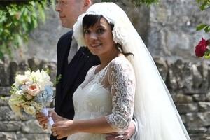 10-celebrity-mums-who-were-pregnant-brides_57559