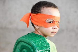 10-easy-halloween-costumes-made-from-things-found-around-the-house_131412