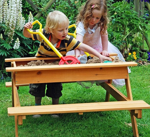 10-of-the-best-kids-water-play-tables_table12