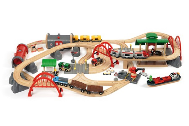 10-of-the-best-toy-train-sets_166505