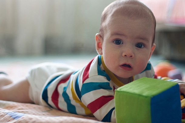 10-of-the-best-tummy-time-aids_200679