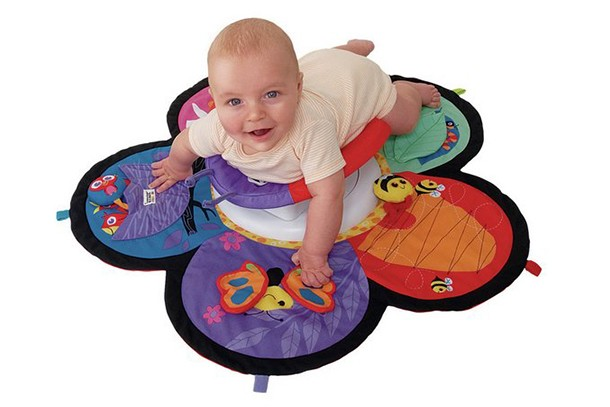 10-of-the-best-tummy-time-aids_tummytime11